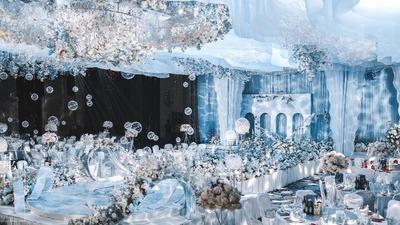冰蓝色现代婚礼,来自包豪斯风格的简约干净,是清爽的甜蜜了