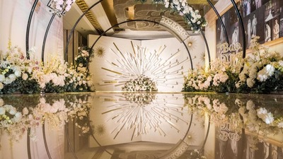 漂洋过海只为你,婚礼上的香槟色和向日葵,都是温柔的匹配