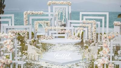 海岛边的婚礼,蓝天白云下的白色婚礼,全身心感受婚礼的氛围