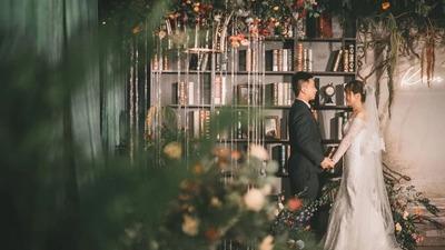 为一场婚礼打造一座森林博物馆