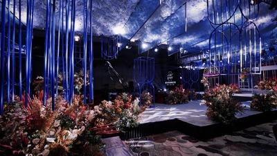 勃艮第酒红与宝石蓝,经典中蕴藏的质感和浪漫