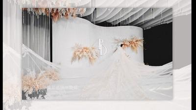 私藏一份空灵而澄净的色彩,简约而精致,香槟金和银色的高雅婚礼