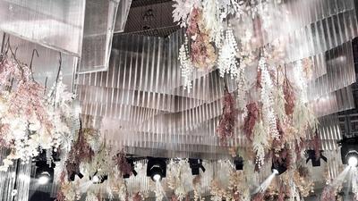 连空气都散发着香氛,是360度全方位的感官盛宴,香槟粉的唯美婚礼