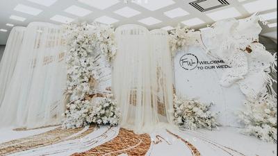 穿过圣玛丽教堂的圣光,是你一生执手的承诺,源于教堂的白色圣洁婚礼
