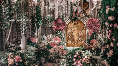 鲜花遍布的婚礼
