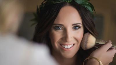 如何避免夏季婚礼上的化妆危机?