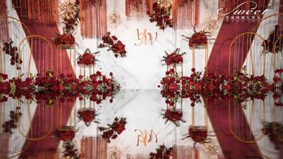 红墙白瓦绘琉璃