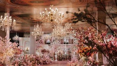 建起了一座巴洛克粉色城堡,巴洛克风格的婚礼