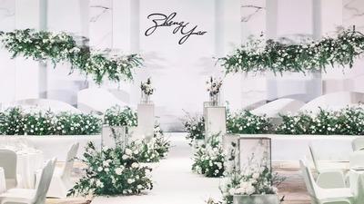 素净的白,淡淡的绿,这场婚礼惊艳了时光