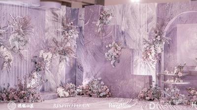浅紫色油画描述着静谧的美