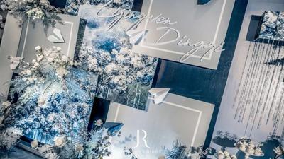 藏蓝色的油画质感婚礼,蓝灰色制造的丰富视觉层次