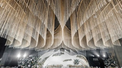 一场水晶线帘悬顶的婚礼,满足很多女孩的梦幻而浪漫的婚礼要求