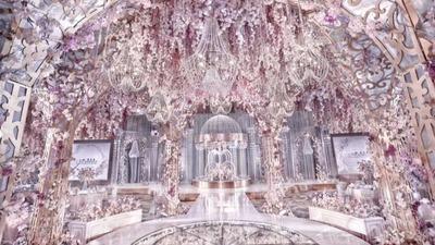 6万颗水晶打造的水晶花园,一场少女心十足的紫色婚礼