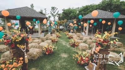 一场婚礼以草垛子为主题,塑造的别样户外婚礼