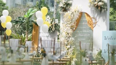 清新干净的韩式婚礼,神圣典雅的极简现场