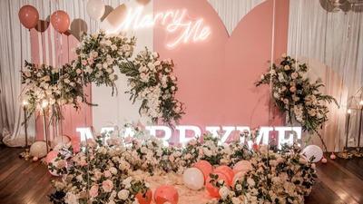 浪漫的粉色求婚现场,融入香槟色营造的层次感
