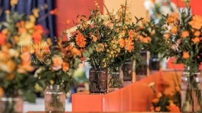 橙色的纪念碑谷风格婚礼,现场营造的简易家居感