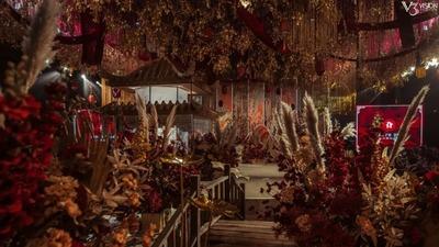 红金色的磅礴中式婚礼,高低起伏的山峦主背景