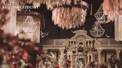 勃艮第红和金交织,华丽的复古欧式婚礼