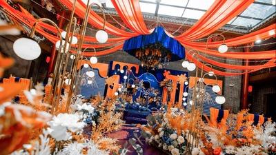 蓝橙色的撞色搭配,一场以拼图为主题的婚礼