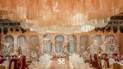 恬静又温暖的香槟色系婚礼
