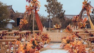 焦糖暖橘色的美式田园风草坪婚礼