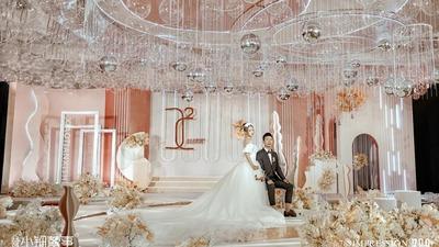 奶茶色搭配豆沙色,一场现代简约风的婚礼