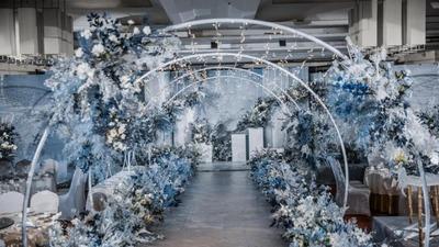 沉静高雅的蓝白色系婚礼