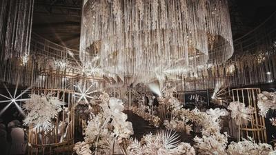 咖啡色搭配高级金,一场艺术与时尚相结合的婚礼