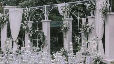欧式极简风的白绿色系婚礼