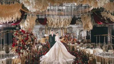 红金黑色系搭配的高奢宫廷风婚礼