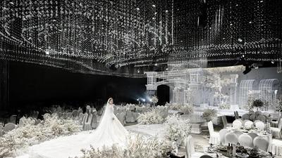 奢华与精简共生的水晶宫殿主题婚礼