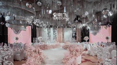 甜美独特的超现实主义风格婚礼