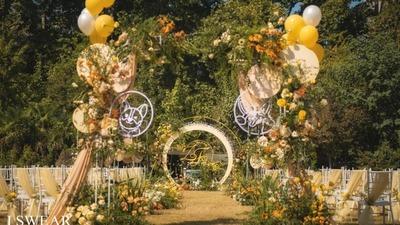 俏皮可爱风的柯基主题草坪婚礼
