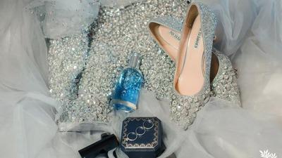 你需要一双绝美的婚鞋来搭配你美丽的婚纱