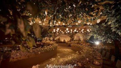纽伯利婚礼定制:从侘寂风中汲取灵感,做一场远离城市光影的隔世空间婚礼