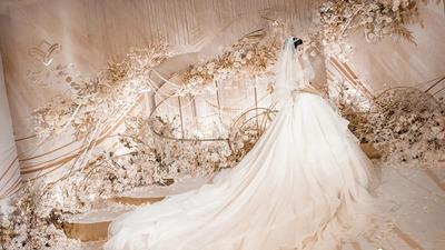 营造了迷人雅致轻奢感的香槟金+浅粉色系婚礼
