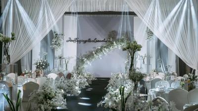 极简轻奢风的白绿色系韩式婚礼