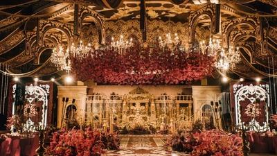 雍容华贵的红金色系宫廷古堡主题婚礼