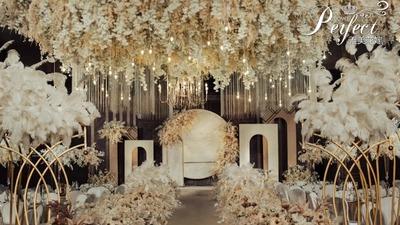 集简约梦幻、轻奢复古于一体的香槟色系婚礼
