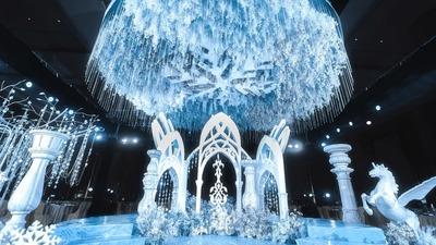 如同冰雪世界般的蓝白色系欧式风格婚礼