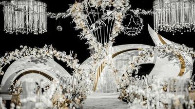 用飞机元素为设计灵感,打造一场流线造型的时尚婚礼