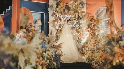 一场复古而又温暖的橙蓝撞色系婚礼