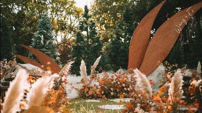 温暖而自由的橙红色+焦糖色系户外婚礼