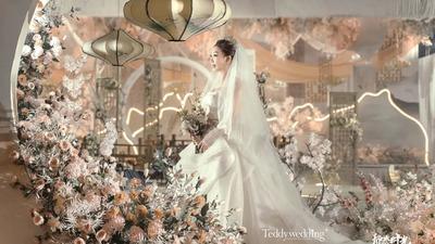 典雅的色调和传统元素相搭配,呈现出一场温柔的新中式婚礼
