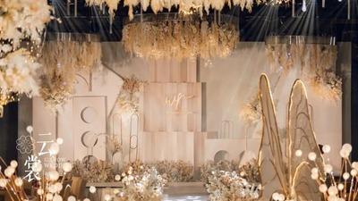 既高贵优雅又温暖如煦的香槟色+金色系婚礼