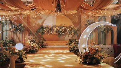 以亮橘色为主色调的摩洛哥风情婚礼