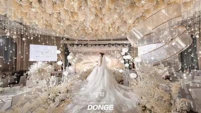 灵动优雅又富有线条设计感的香槟色系婚礼
