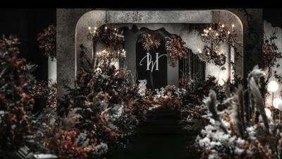 暗黑中透露着温度的炫酷黑+复古棕色系婚礼