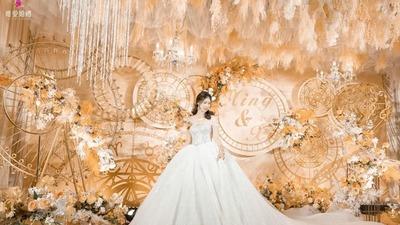 被赋予了干净纯粹气质的香槟色系婚礼